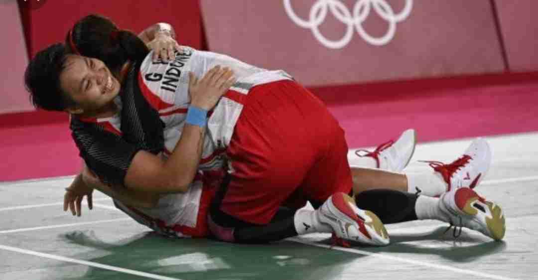 SEJARAH INDONESIA...!! Pasangan Gresya/Apriyani Raih Emas Bulutangkis Olimpiade 2020