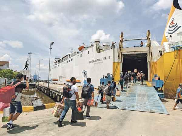 Bawa Surat Positif Covid-19, Penumpang Kapal Disuruh Balik