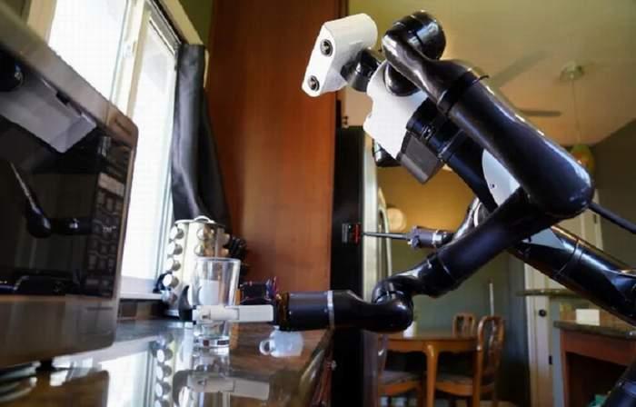 Robot yang Bisa Deteksi Objek Transparan