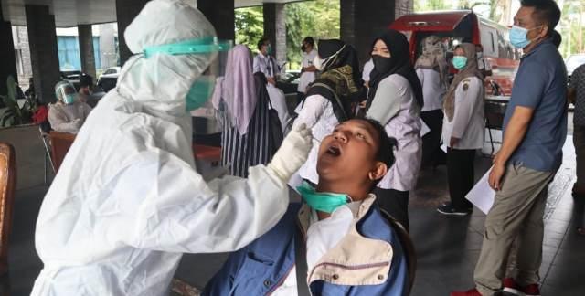 Usut Tuntas Pembuat Surat Antigen Palsu, Komplotan Catut Klinik Tertentu, Biayanya Tak Wajar